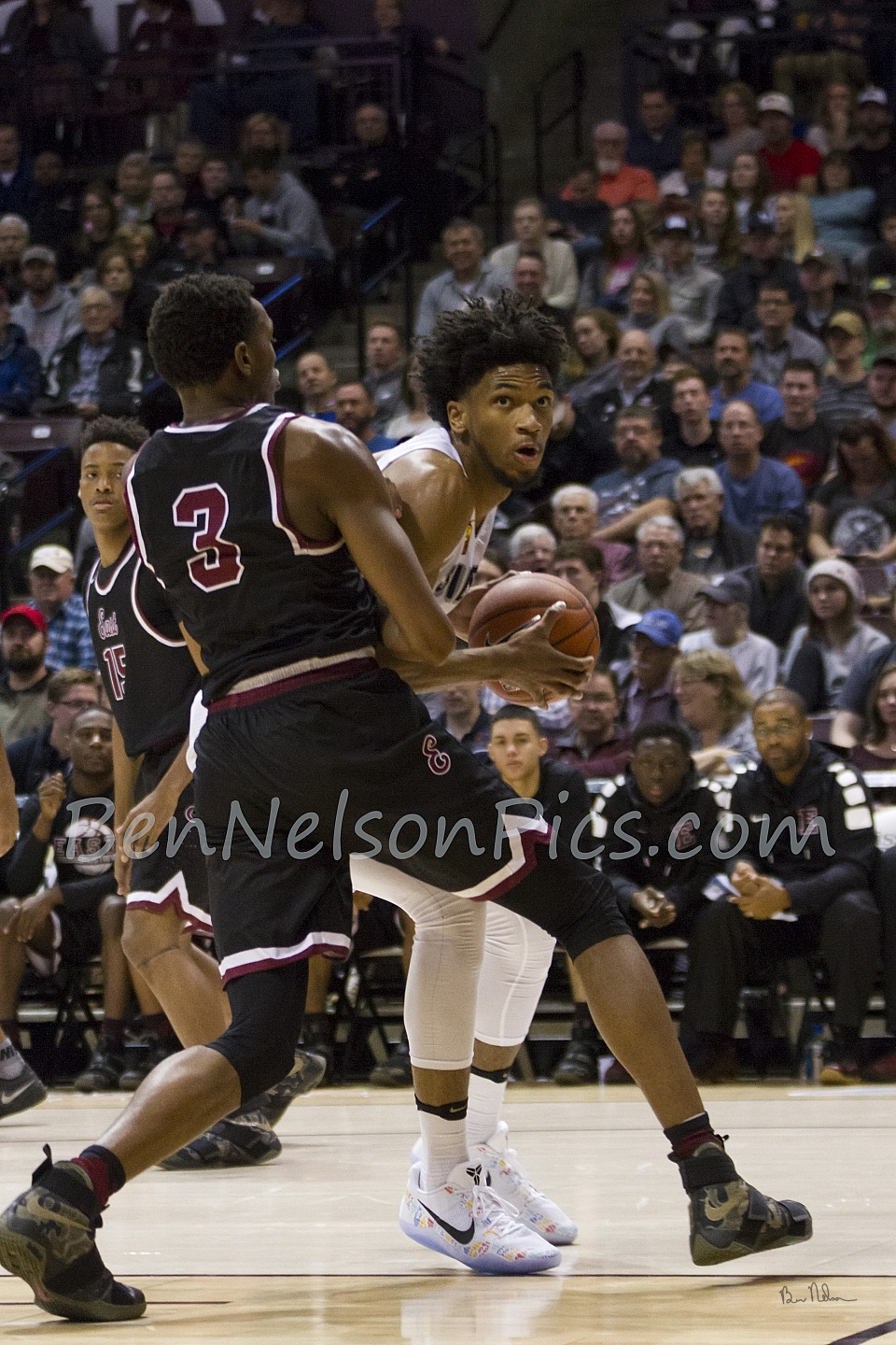 Bass Pro Shops Tournament of Champions 2017 - Marvin Bagley III Clears some space.