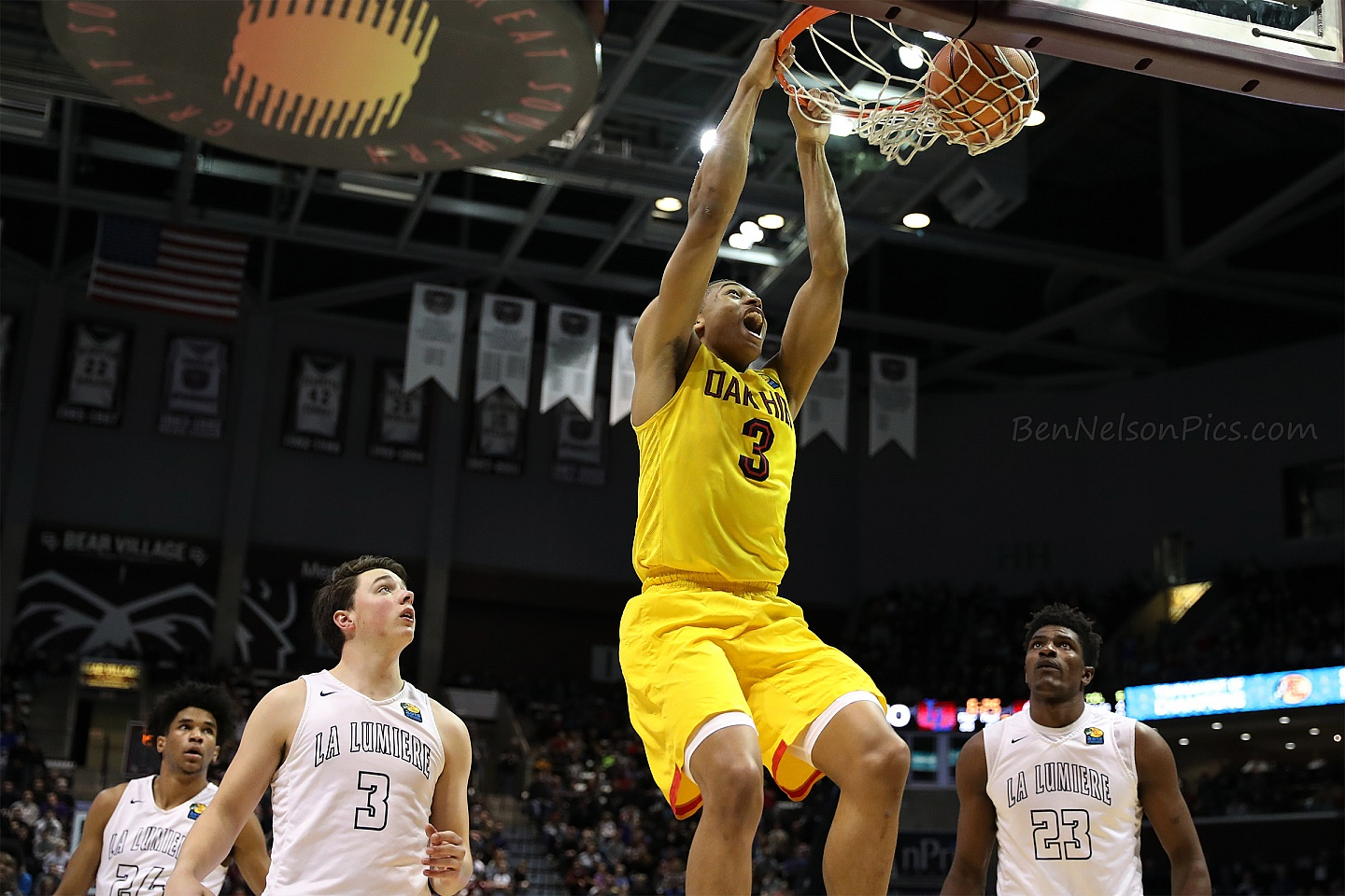 Bass Pro Shops Tournament of Champions 2018 - Keldon Johnson Oak Hill Academy with impressive dunk taken during the 2018 TofC
