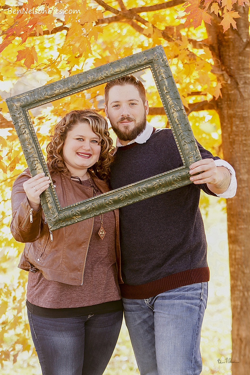 Couples Photos and Engagement Pictures in Springfield Missouri - Brookelyn & Nathan Couples Photo Springfield Missouri.
