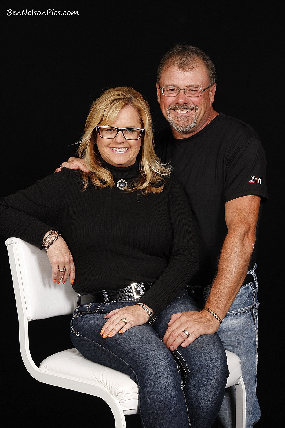 Couples Photos and Engagement Pictures in Springfield Missouri - Studio Picture Of A Married Couple